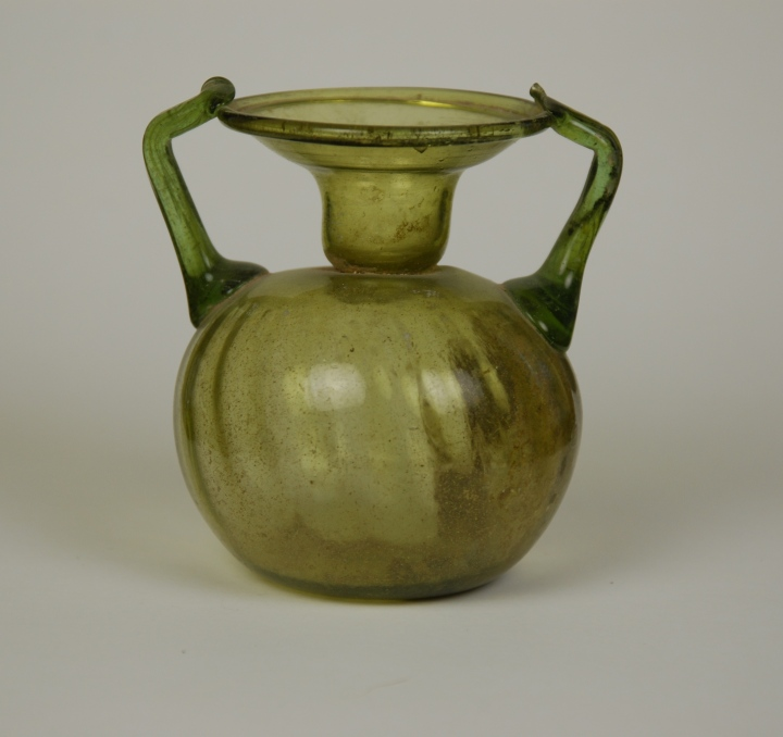 1r-Roman glass sprinkler-flask