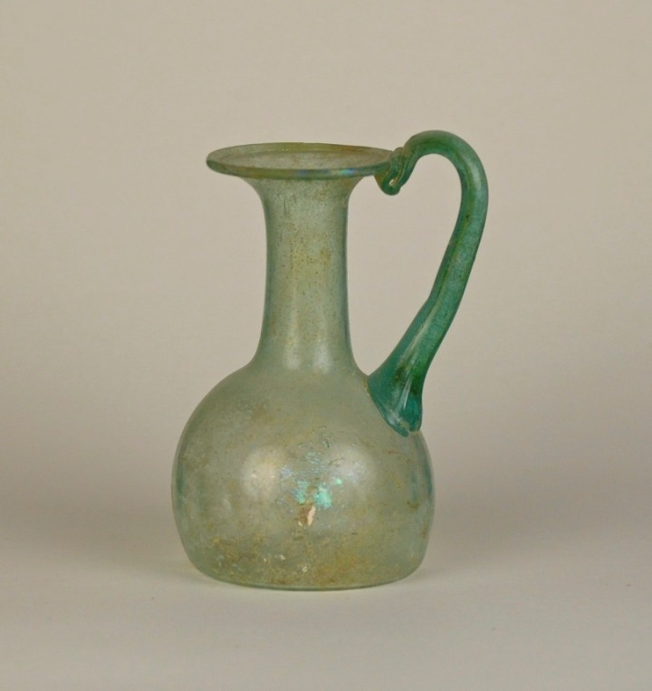 6r-pale-green-pitcher